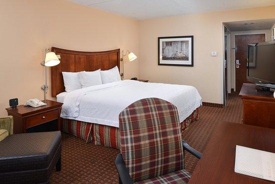 Henderson, NC: king room standard