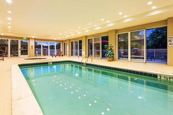 Clinton, SC: Indoor Pool