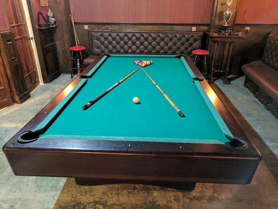 Pool table picture of the joker 39 s arms pub restaurant for Table 52 reviews