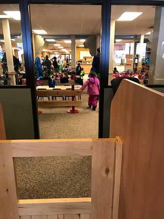 Kids' Vacation Center : Entrance to the kids area of KVC