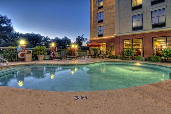 Hampton Inn Biloxi Outdoor Pool