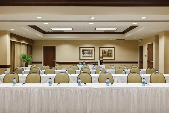 McHenry, IL: Hilton Room