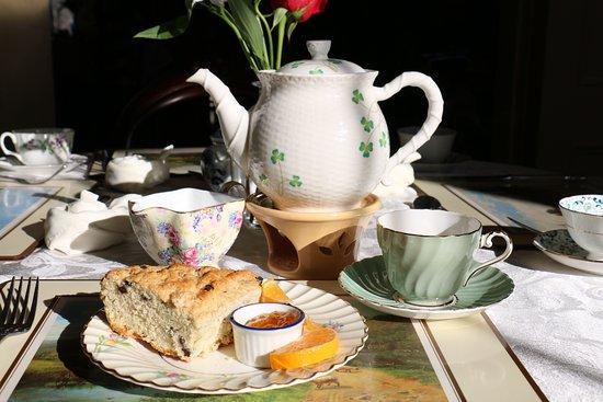 Bridgton, Μέιν: Our famous Irish Soda Bread with Marmalade
