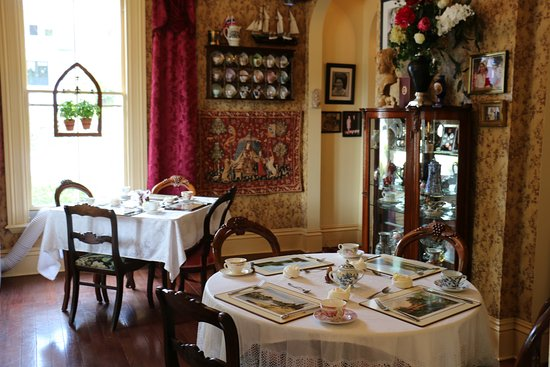 Bridgton, ME: The Castle Tea Room at Clipper Merchant Tea House