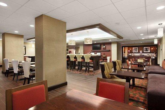 Τσάρλεστον, Δυτική Βιρτζίνια: Breakfast Dining Area