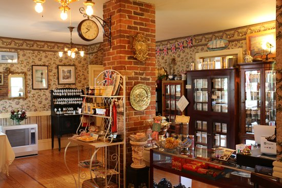 Bridgton, ME: Our British Retail Shoppe