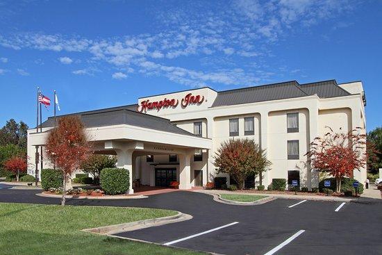 Hampton Inn Madison : Hotel Exterior