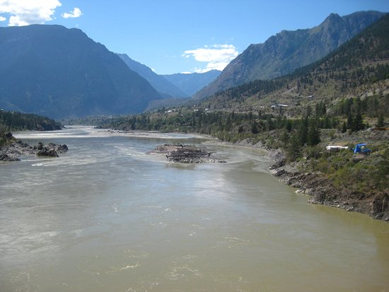 Lillooet, Canada: View downstream from the bridge.
