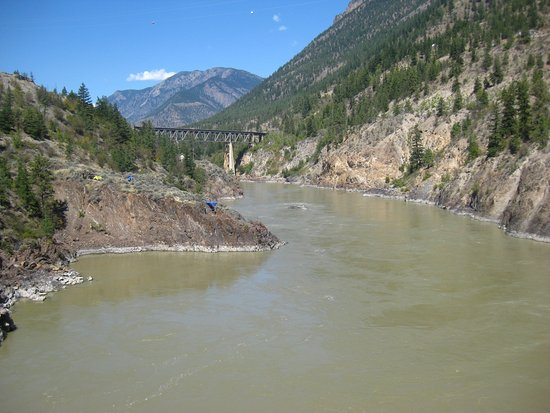Lillooet, Canada: View upstream from the bridge.