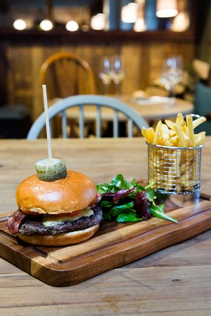 Kirtlington, UK: Dashwood Burger