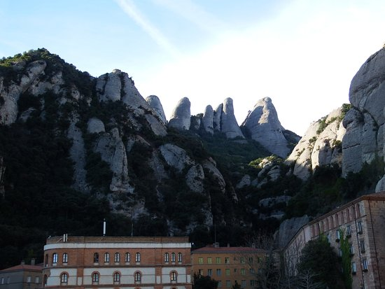 Barcelona Turisme - Afternoon in Montserrat Tour : Montserrat. The serated mountain