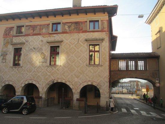 Palazzo Pretorio in Piazza Del Podesta