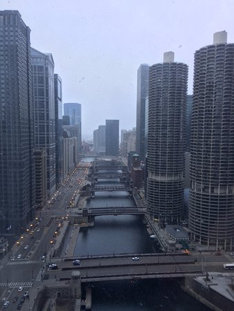 Wyndham Grand Chicago Riverfront: View from 36th floor