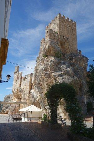 Zuheros: Restos de la Torre del castillo de Zuheros