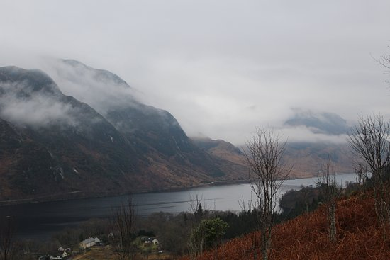 Glenfinnan, UK: View from further along the trail