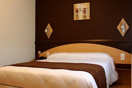 Hotel Saint-Hubert Photo