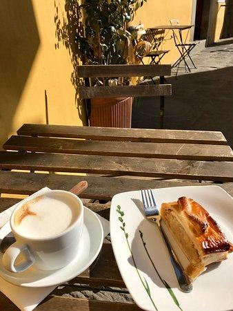 Un Caffe: photo0.jpg
