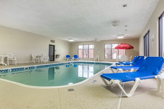 Alton, IL: Pool