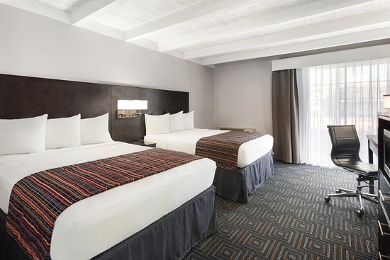 Country Inn & Suites By Carlson, St. Paul East: Guest Room Business Class