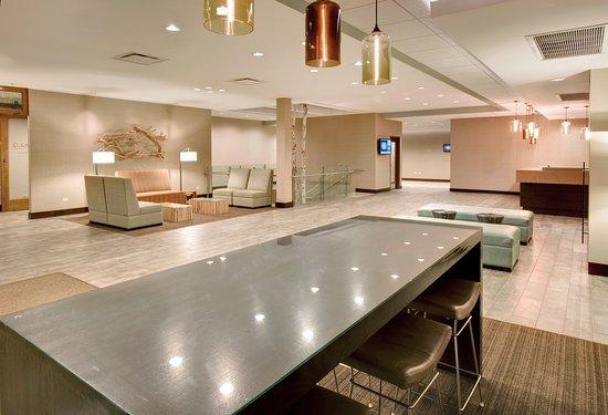 Glen Ellyn, IL: Hotel Lobby
