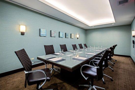 Glen Ellyn, IL: Boardroom
