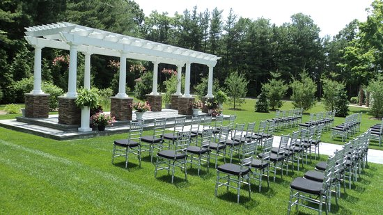 Suffern, Estado de Nueva York: Exterior Feature-Wedding Garden on Hotel property