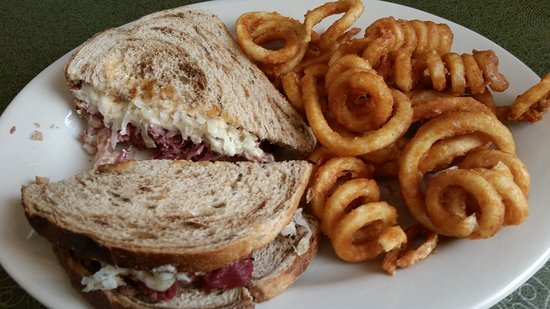 Monroe, WI: Reuben with curly fries