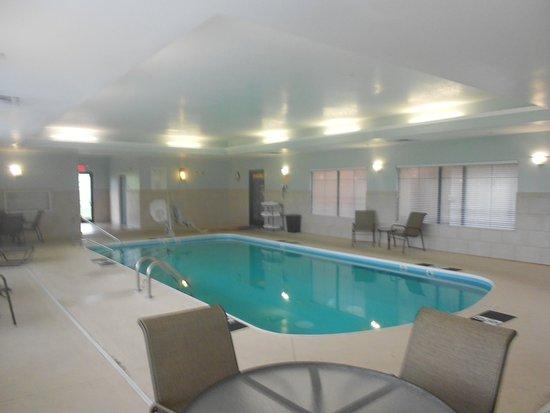 Lancaster, OH: Swimming Pool 2