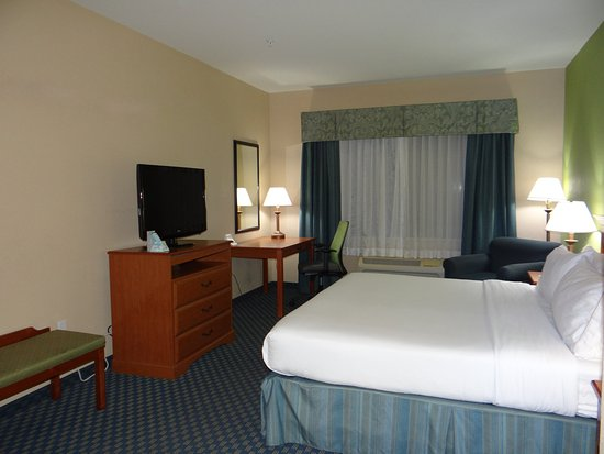Delmar, MD: 1 Queen Bed Guest Room-Accessible