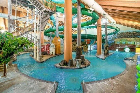 Swimming pool picture of holiday inn minneapolis nw elk - Holiday inn hotels with swimming pool ...