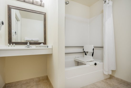 Elk River, MN : ADA/Handicapped accessible Guest Bathroom with mobility tub