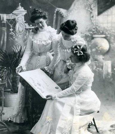 Weller House Inn: Mendicino High School class of 1900 graduation (Maude Weller at left)