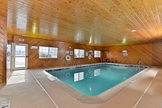Charlotte, Мичиган: Swimming Pool