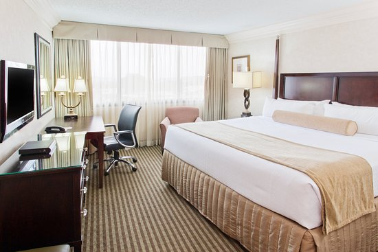 Crowne Plaza Portland-Downtown Convention Center: King Bed Guest Room