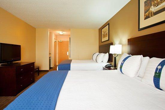 Aurora, Ιλινόις: Queen Bed Guest Room
