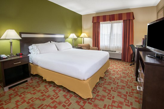 Brook Park, OH: ADA/Handicapped accessible King Guest Room