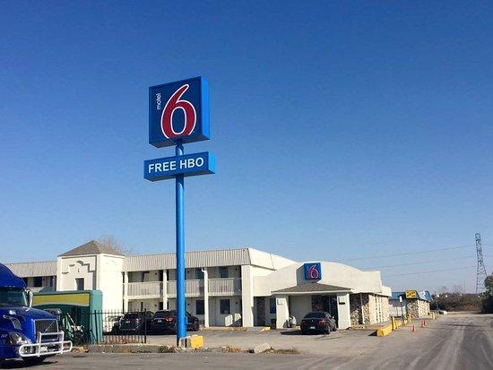 Motel 6 Indianapolis, S. Harding St.