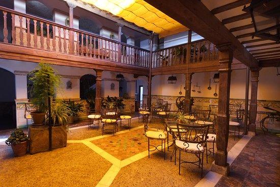 Apartamentos Turisticos Los Patrizios, hoteles en Consuegra