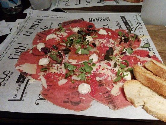 Restaurante Grill Room: Veal carpaccio with parmesan and cherry mozzarella cheese