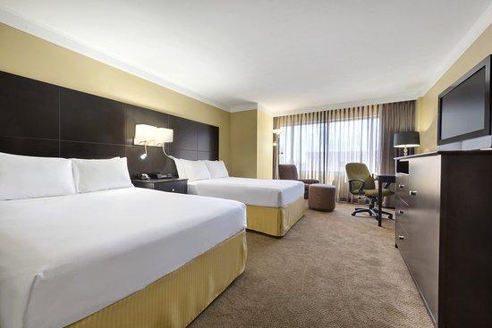 Radisson Hotel Fargo: Guest Room