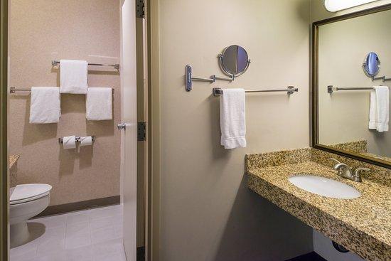 Dublin, Califórnia: Guest Bathroom