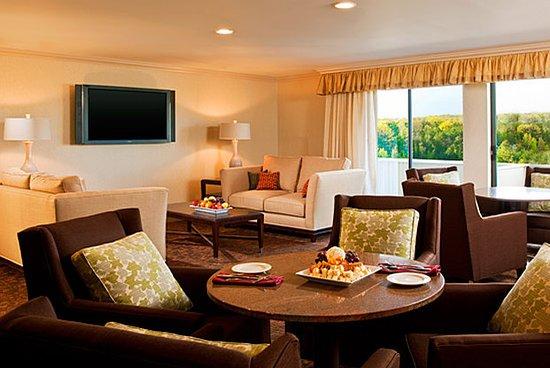Radisson Hotel Hauppauge-Long Island - UPDATED 2017 Prices & Reviews (NY) - TripAdvisor