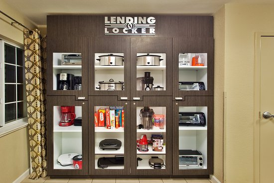 Candlewood Suites At CityCentre-Energy Corridor: Lending Locker