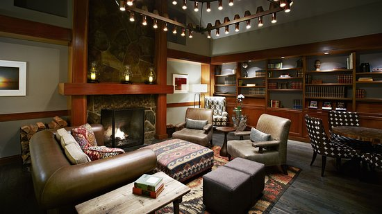 Salish Lodge & Spa: Lovely Library