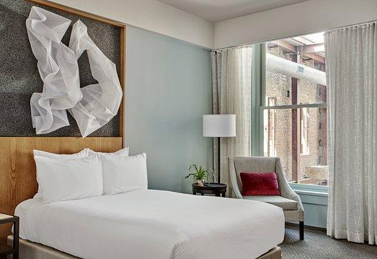 21c Museum Hotel Louisville: Deluxe King