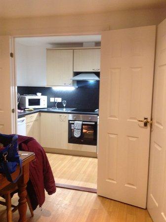 Fountain Court Apartments - Grove: Kitchen area