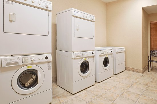 Staybridge Suites Columbus Airport: Laundry Facility
