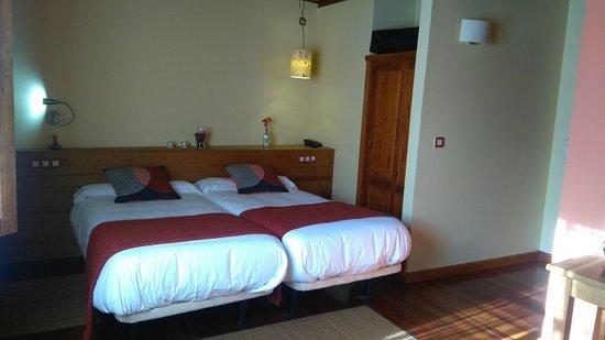 Hotel Rural El Rexacu: Habitación Triple