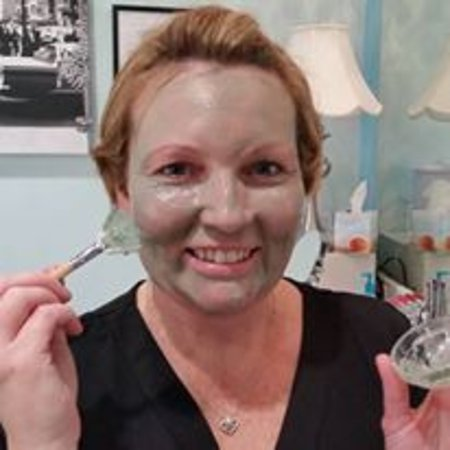 Litchfield Park, AZ: Try one of our all natural Farmhouse Fresh Masks! This one is Guac Star Avocado mask.