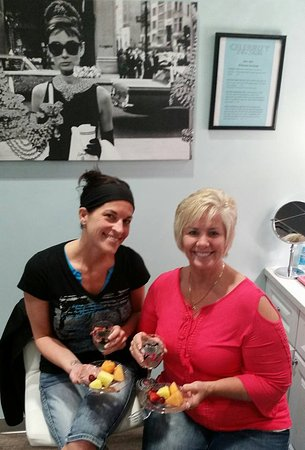 Litchfield Park, Arizona: Pampering some of our lovely out of town guests.